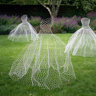 Chicken wire ghost dressmodernmourner_dot_blogspot_dot_ca